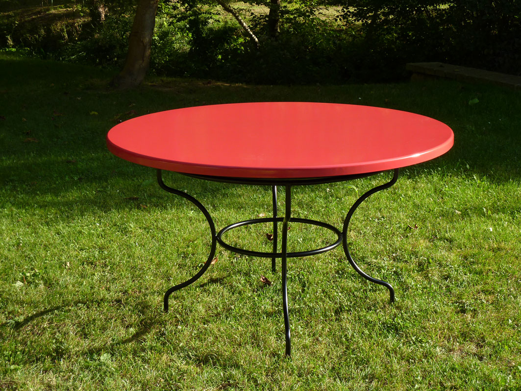 Table De Jardin Rouge. Cool Table De Jardin De Couleur Salon De ...